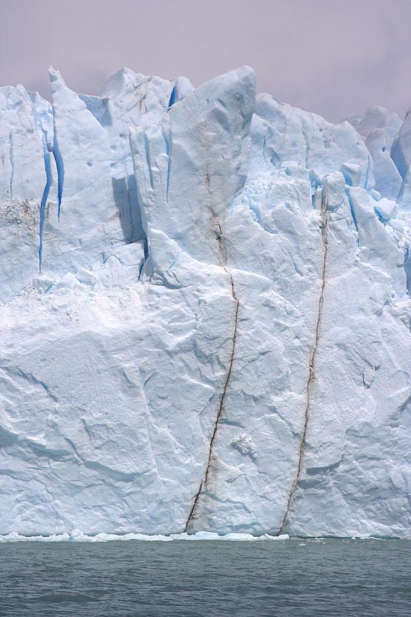 More seracs in the Perito Moreno glacier as it meets Lake Argentino, Argentina (photo Carsten Clasohm)
