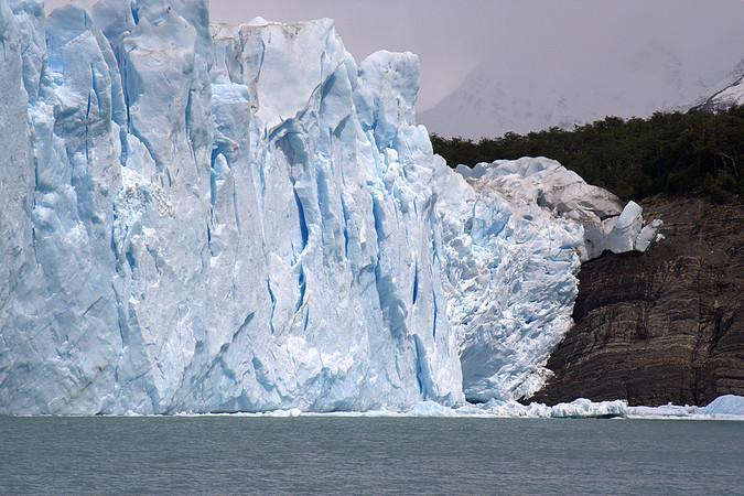 Foot of the Perito Moreno glacier meeting Lake Argentino, Argentina (photo Carsten Clasohm)